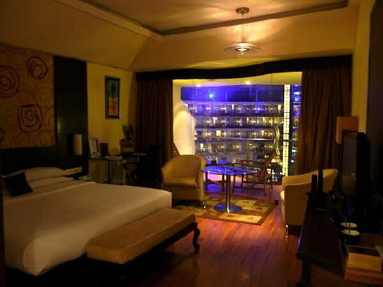 Sahara Star Hotel: Earth Room