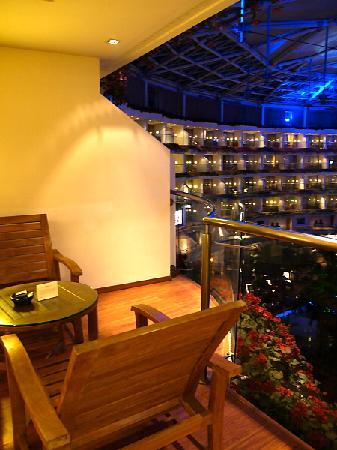 Sahara Star Hotel: Terrace