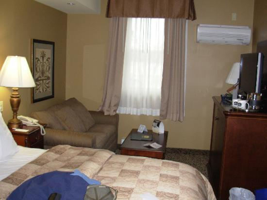 BEST WESTERN PLUS The Parlour Historic Inn & Suites: Room 303
