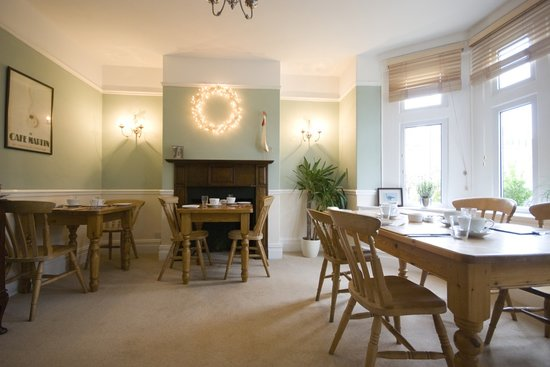Royal Park Guest House: Breakfast room