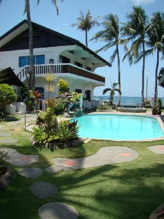 Lian, Philippines: The Pool