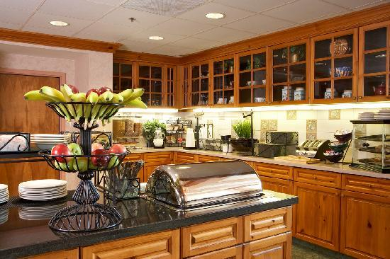 Homewood Suites by Hilton St. Petersburg Clearwater: Enjoy your meals in the pantry