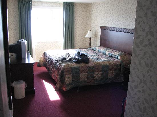 Wellington Resort: Main bedroom with a comfortable king bed