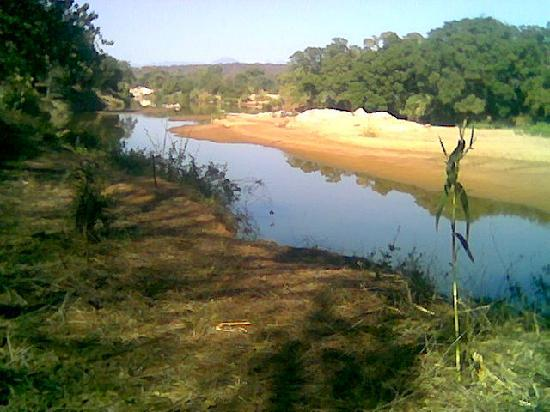 Hoedspruit, Sudáfrica: river view from chalets