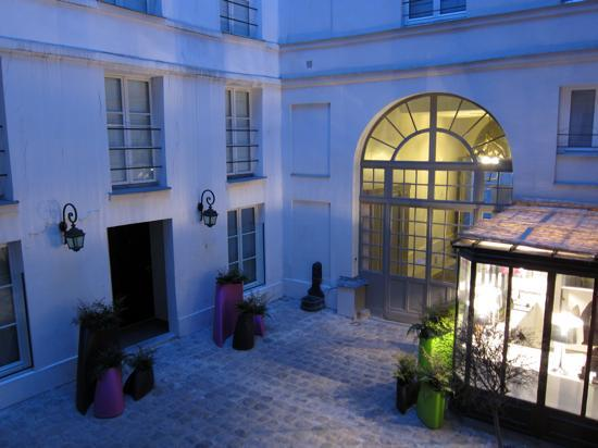 Hotel design sorbonne hotel courtyard picture of hotel for Design hotel sorbonne