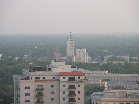 Drury Inn & Suites Riverwalk: View from the top of Drury Inn