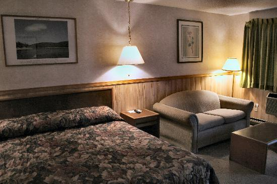 Caboose Motel: King Room