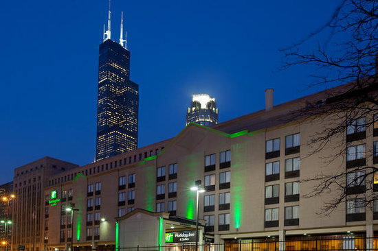 Holiday Inn Chicago Downtown: Hotel Exterior