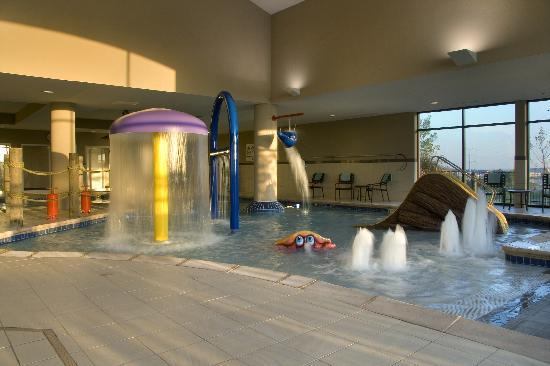Hampton Inn Stes Madison West: Enhanced Indoor Pool Area