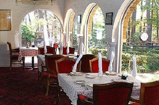 Hamilton House Estate: The Dining Room - for Special Occasions