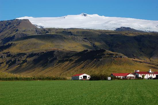 Hvolsvollur, : Eyjafjallajokull volcano from up the road