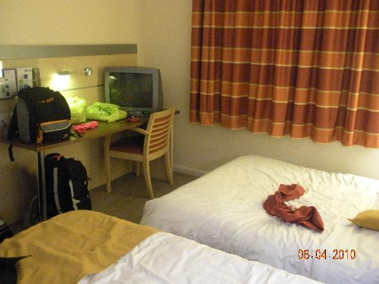 Holiday Inn Express Leicester Walkers Stadium: room
