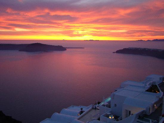 Artemis Villas: Best sunset ever from our patio