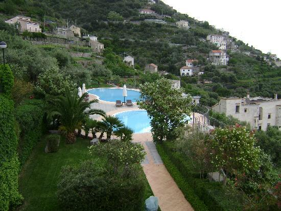 Furore, Italia: The resort grounds...beautiful!