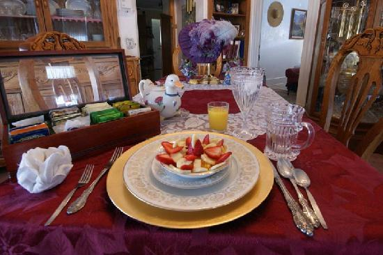 Marie's Engaging Bed & Breakfast: Breakfast