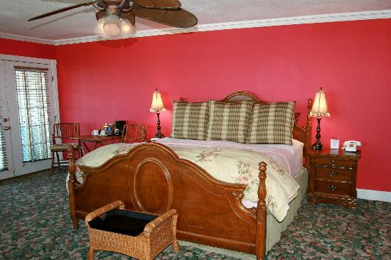 Apalachicola River Inn: the rose suite
