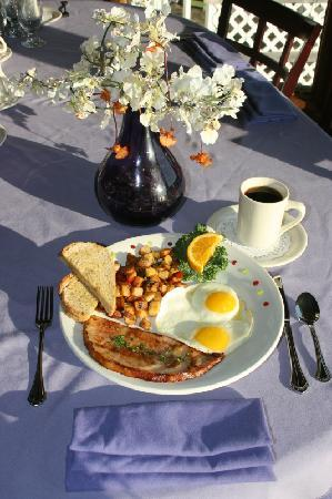 Apalachicola River Inn: a breakfast delight !