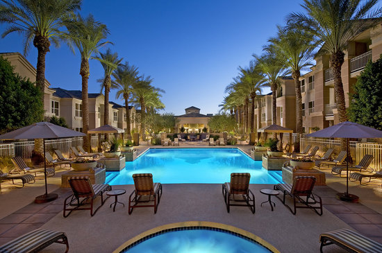 Gainey Suites Hotel: Pool at Twilight