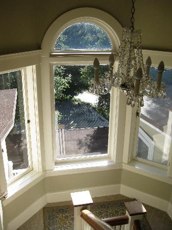 Arroyo Vista Inn: Windows will take your breath away!