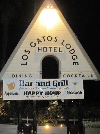 The entrance to Los Gatos Lodge