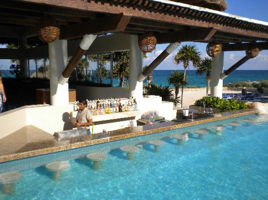 Swimming Pool With Swim Up Bar : Of the best swim up hotel bars drinking in america
