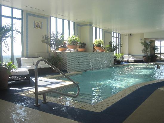 Hilton Virginia Beach Oceanfront: indoor pool