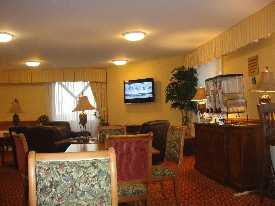 The Cornhusker, A Marriott Hotel: Concierge Lounge 1