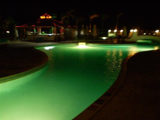 Grand Seas Resort Hostmark: Pool night