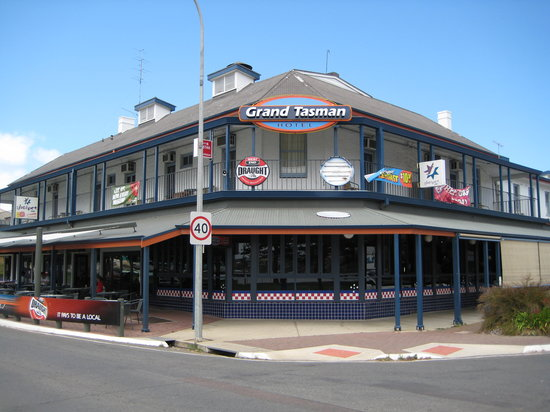 Grand Tasman Hotel