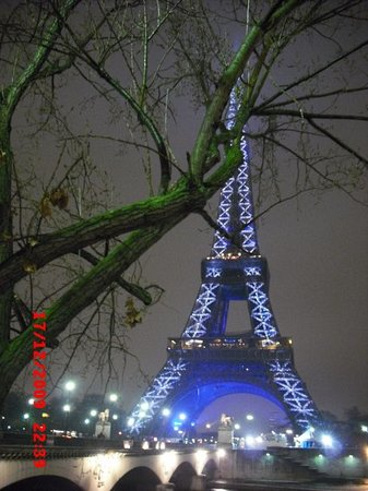 Live Picture Eiffel Tower on Eiffel Tower  Paris
