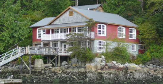 Bamfield Villa