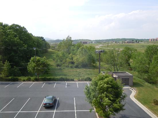 Hampton Inn Waynesboro / Stuarts Draft: top floor view