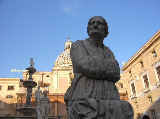 Sicily, Italy: Palermo Statue