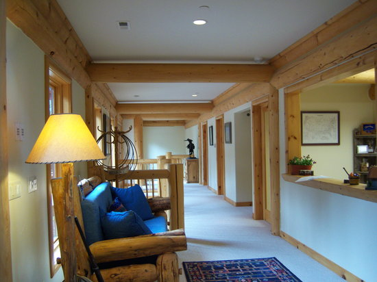 Cougar Crest Lodge: lobby
