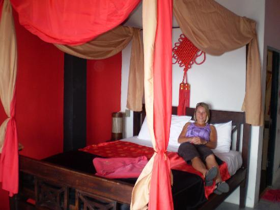 The Red House: The 4 poster bed and room