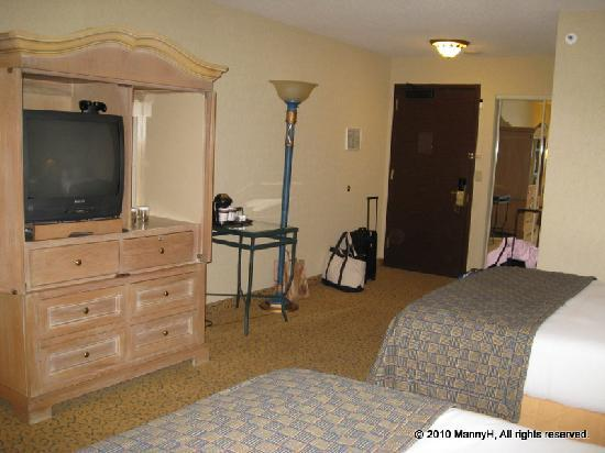 DoubleTree by Hilton Hotel San Diego - Mission Valley: Notice the popcorn ceiling?