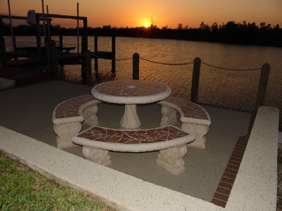 Cape Coral, FL: Bootsdock und Lift bei Villa Amara
