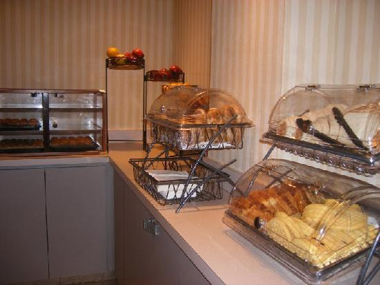 Wyndham Garden Hotel - Atlanta Downtown: Free breakfast
