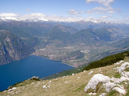 Blick vom Altissimo auf Riva und Torbole