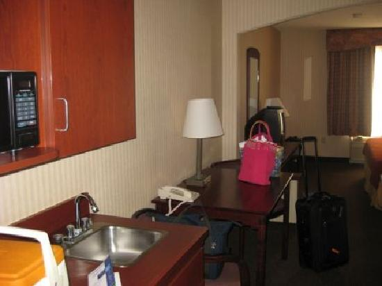 Holiday Inn Express Hutchinson: Room