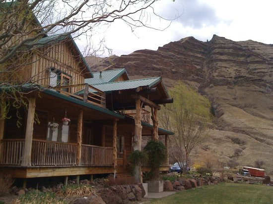 Imnaha River Inn Bed and Breakfast