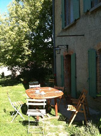 Le Jardin Clos: Coffee after breakfast