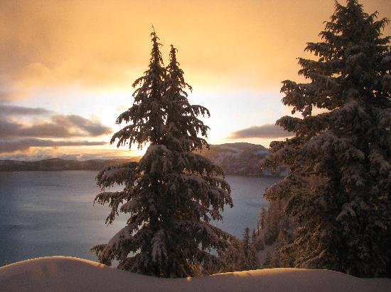 Crater Lake Lodge: Golden Morning