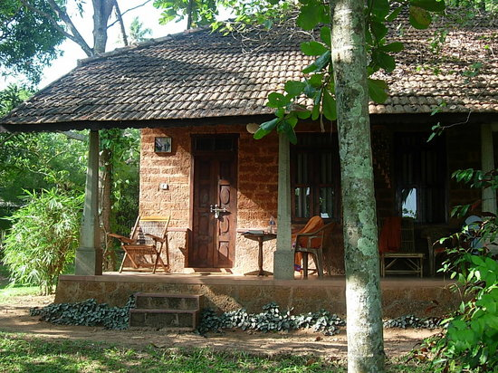 Sarovaram Ayurvedic Backwater Resort: Bungalow