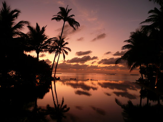 Noonu Atoll: Sunset at the Hotel Iru Fushi