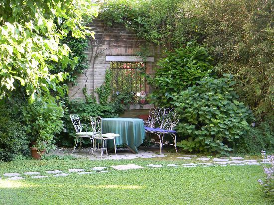 Oltre Il Giardino: Looking out at the main part of the garden