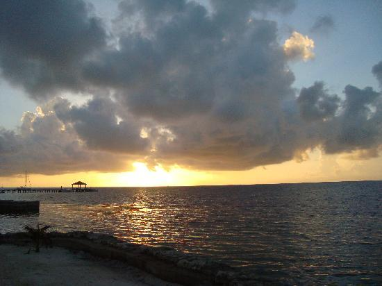 Xanadu Island Resort Belize: Sunrise from our patio
