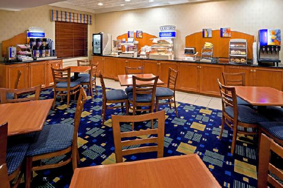 Holiday Inn Express Reading: Free Hot Breakfast
