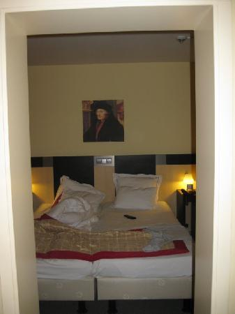 Chambre lit double picture of hampshire hotel savoy for Chambre 9m2 lit double
