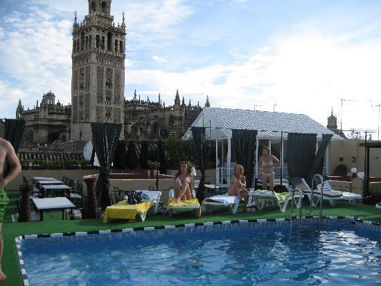 301 moved permanently for Piscina hotel los lebreros sevilla